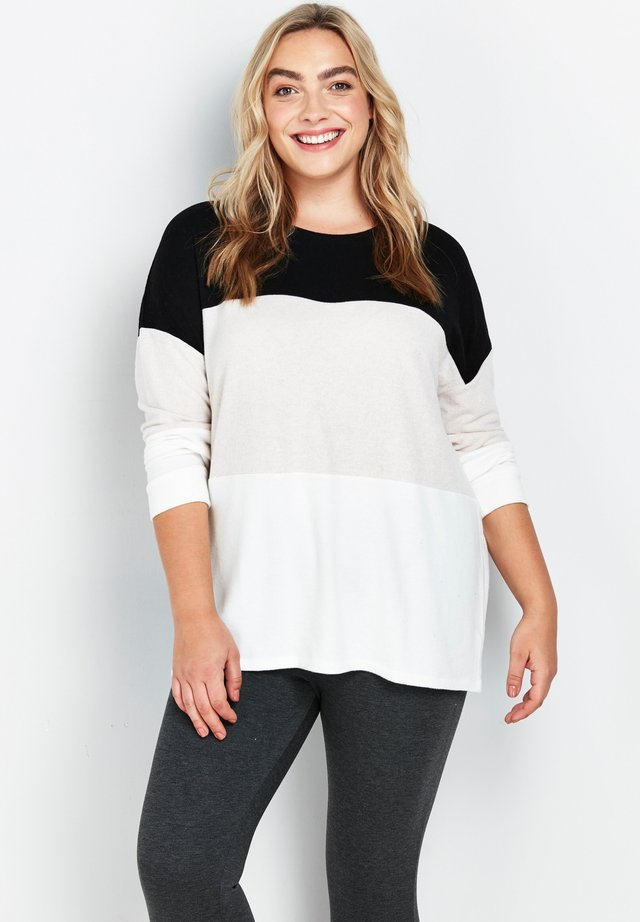 Long sleeved top - ivory