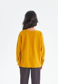 Next - Sweatshirt - ochre - 2