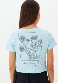 Trendyol - Print T-shirt - blue - 0