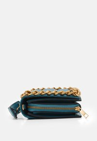 Topshop - WEBB CHAIN UPDATE - Borsa a tracolla - teal - 3
