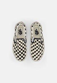 Vans - CLASSIC SLIP-ON UNISEX - Loafers - true navy/true white - 3