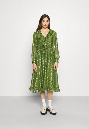 CELESTE RUFFLE DRESS - Juhlamekko - fern green