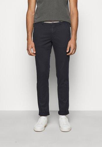 TORINOSUMMER - Chino kalhoty - dark blue