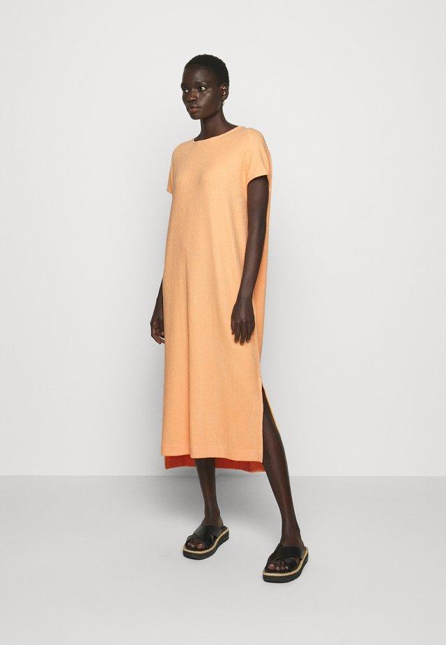 GATE DRESS - Jerseyjurk - peach orange