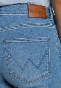Wrangler - HIGH RISE SKINNY - Jeans Skinny Fit - soft heart - 4