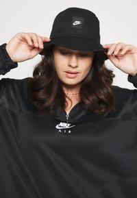 Nike Sportswear - AIR - Sweatshirt - black/white - 3