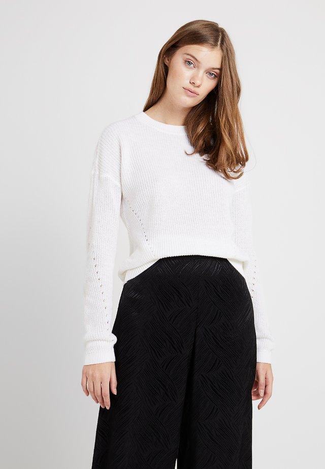 NMSIAN O NECK  - Stickad tröja - bright white