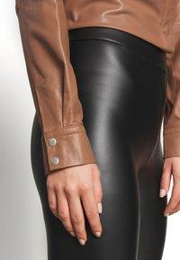 Trendyol - HAKI - Leggings - black - 4
