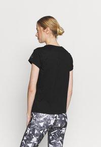 ASICS - FUTURE TOKYO TEE - T-shirt con stampa - performance black - 2