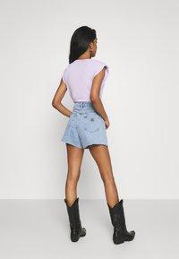 Abrand Jeans - A VENICE - Jeansshort - esmeralda - 2