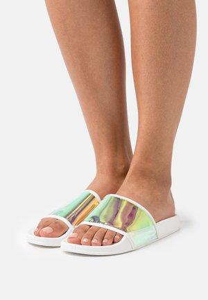 FALON - Pantofle - white