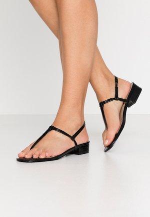 INESA - Sandály s odděleným palcem - black