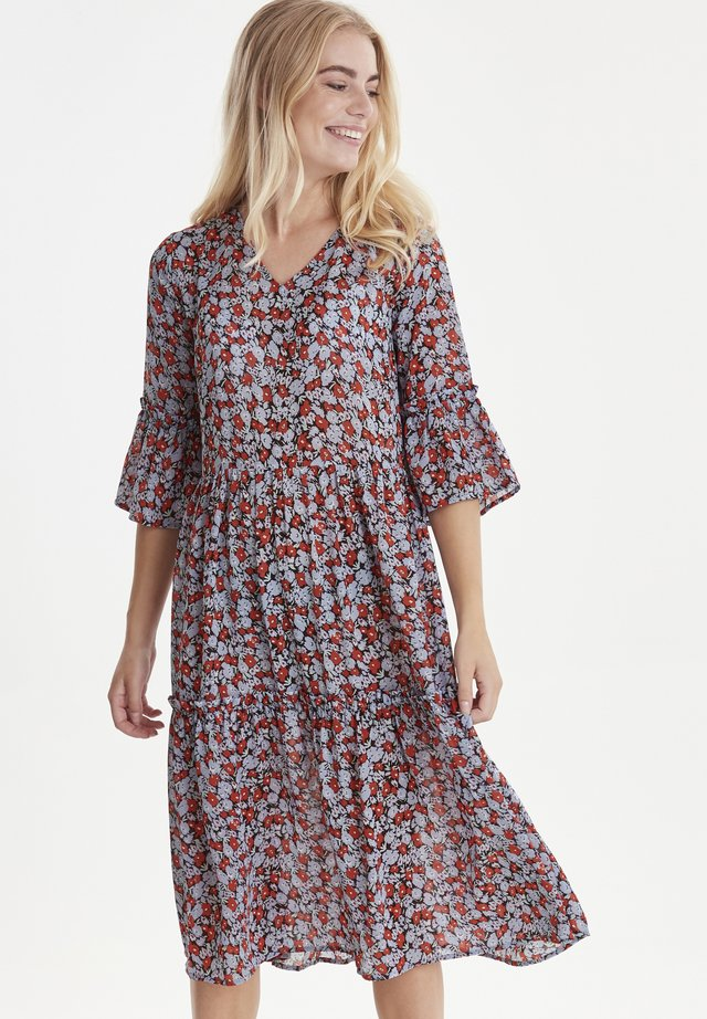 VILJA - Day dress - red/blue