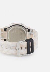 G-SHOCK - UTILITY WAVY MARBLE UNISEX - Digitální hodinky - tan - 1