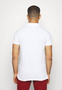 Tommy Hilfiger - AUTOGRAPH FLAG SLIM FIT - Polo shirt - white - 2