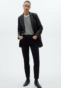 Massimo Dutti - MIT HOHEM BUND - Pantalon classique - black - 0