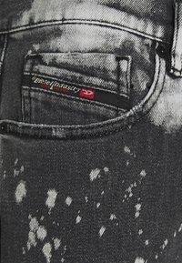 Diesel - Džíny Slim Fit - black/white - 2