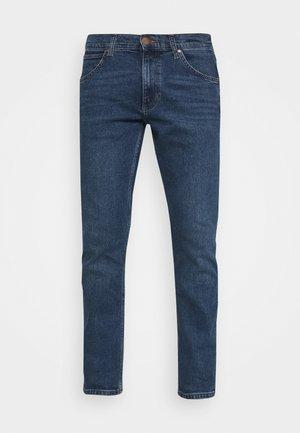 GREENSBORO - Jeansy Straight Leg - light blue denim