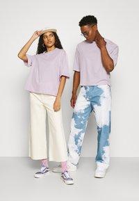 YOURTURN - UNISEX  - T-shirt - bas - lilac - 1