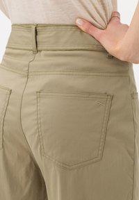 BRAX - STYLE MELO - Trousers - khaki - 4