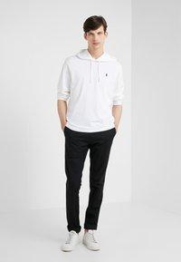 Polo Ralph Lauren - COTTON JERSEY HOODED T-SHIRT - Felpa con cappuccio - white/navy - 1