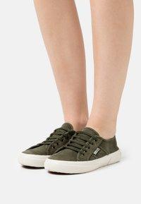 Natural World - Sneakers basse - kaki - 0