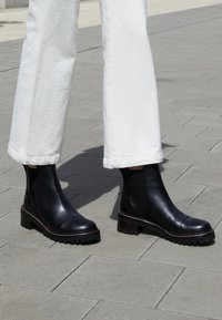 See by Chloé - MALLORY BOOTIE - Classic ankle boots - black - 0