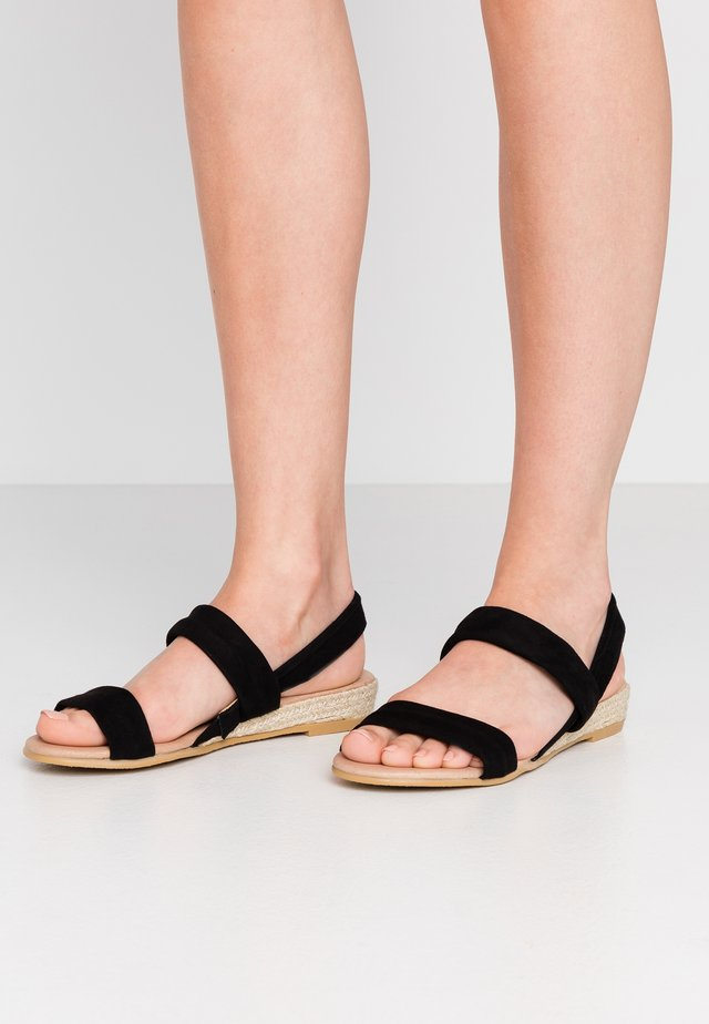 SALLIE - Espadrilles - black/gold