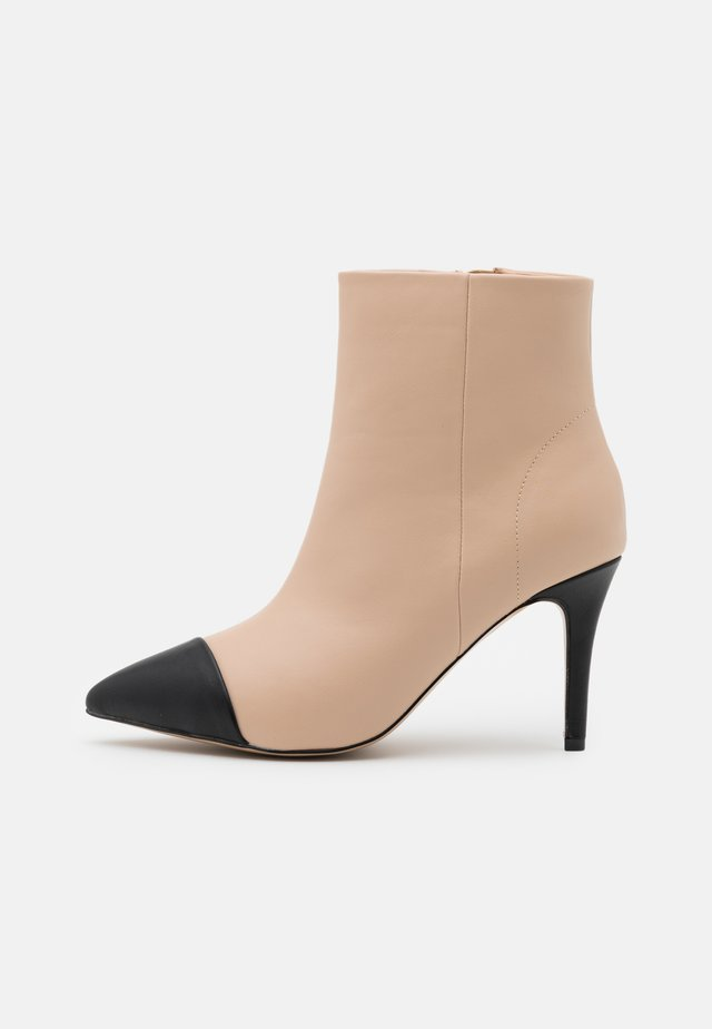 JACKPOT - High heeled ankle boots - nude