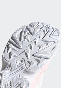 adidas Originals - SHOES - Sneakersy niskie - pink - 7