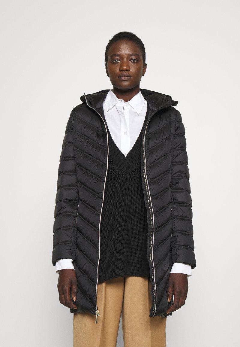 MICHAEL Michael Kors - LONG PACKABLE PUFFER - Down coat - black