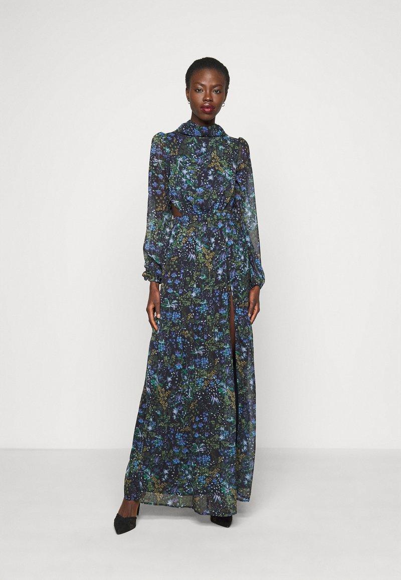 Hope & Ivy Tall - ESME - Maxi šaty - multicolor