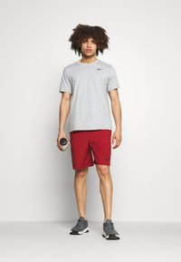 Nike Performance - FLEX SHORT - Träningsshorts - dark cayenne/black - 1