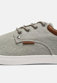 Pier One - Sneakers - light grey - 6