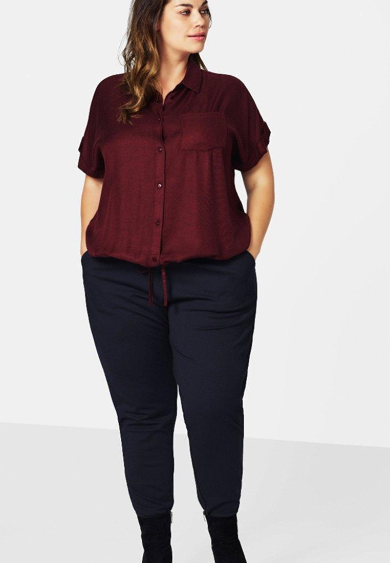 Donna MIT NADELSTREIFEN - Pantaloni sportivi