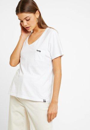 ESSENTIAL TEE - Basic T-shirt - bright white