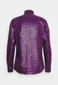 Twisted Tailor - SAYAGATA SHIRT - Koszula - hot pink - 1