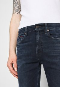 Tommy Jeans - SIMON SKINNY - Jeans Skinny Fit - dynamic chester blue - 3