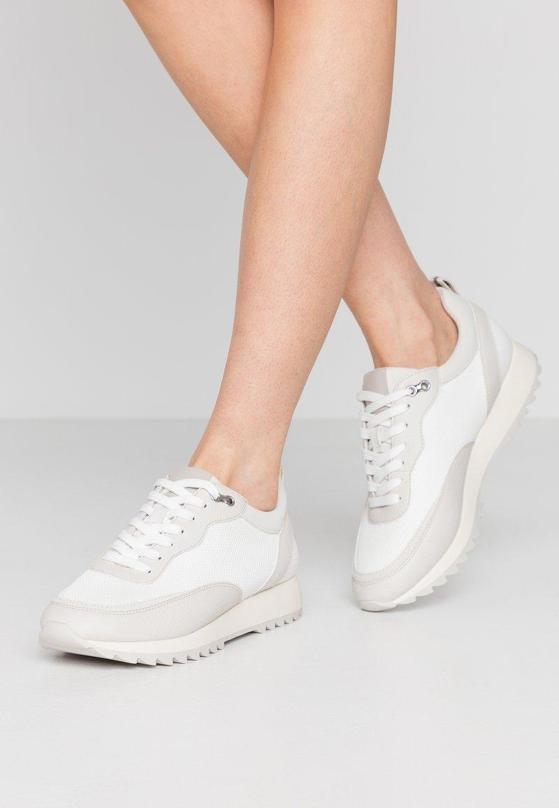 PARFOIS - Trainers - white