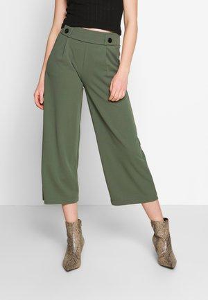 JDYGEGGO ANKLE PANT - Pantalon classique - thyme