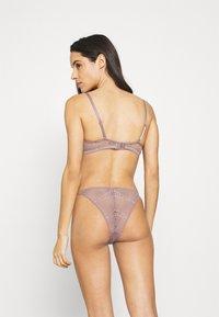 Calvin Klein Underwear - LINED BALCON - Kaarituelliset rintaliivit - plum dust - 2