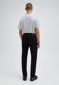 PULL&BEAR - Straight leg -farkut - black - 2