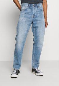 Carhartt WIP - NEWEL PANT MAITLAND - Relaxed fit -farkut - blue worn bleached - 0