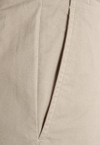 Polo Ralph Lauren - STRAIGHT FIT BEDFORD  - Shorts - khaki/tan - 5