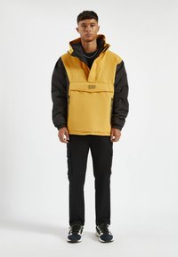 PULL&BEAR - MIT BAUCHTASCHE - Light jacket - yellow - 1