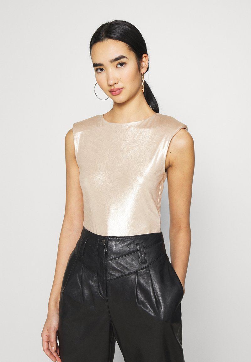 Miss Selfridge - SHOULDER PAD BODY - Top - champagne
