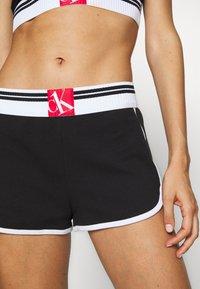 Calvin Klein Underwear - ONE SOCK LOUNGE SLEEP SHORT - Pyjama bottoms - black - 5