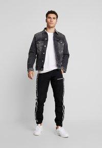 Calvin Klein Jeans - FOUNDATION SLIMJACKET - Cowboyjakker - grey - 1