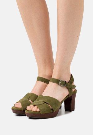 NA DIBE - Platform sandals - khaki/ada castano