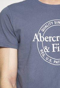 Abercrombie & Fitch - Camiseta estampada - blue - 5